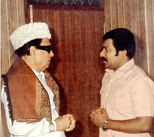 http://www.eelamview.com/wp-content/uploads/2011/09/prabhakaran-mgr.jpg